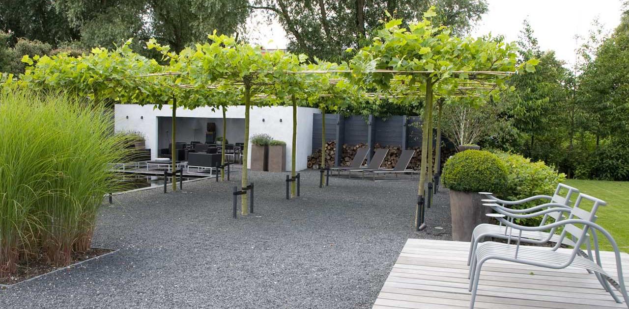 Familie tuin bij landelijke villa i martin veltkamp tuinen - Terras en tuin ontwikkeling foto ...